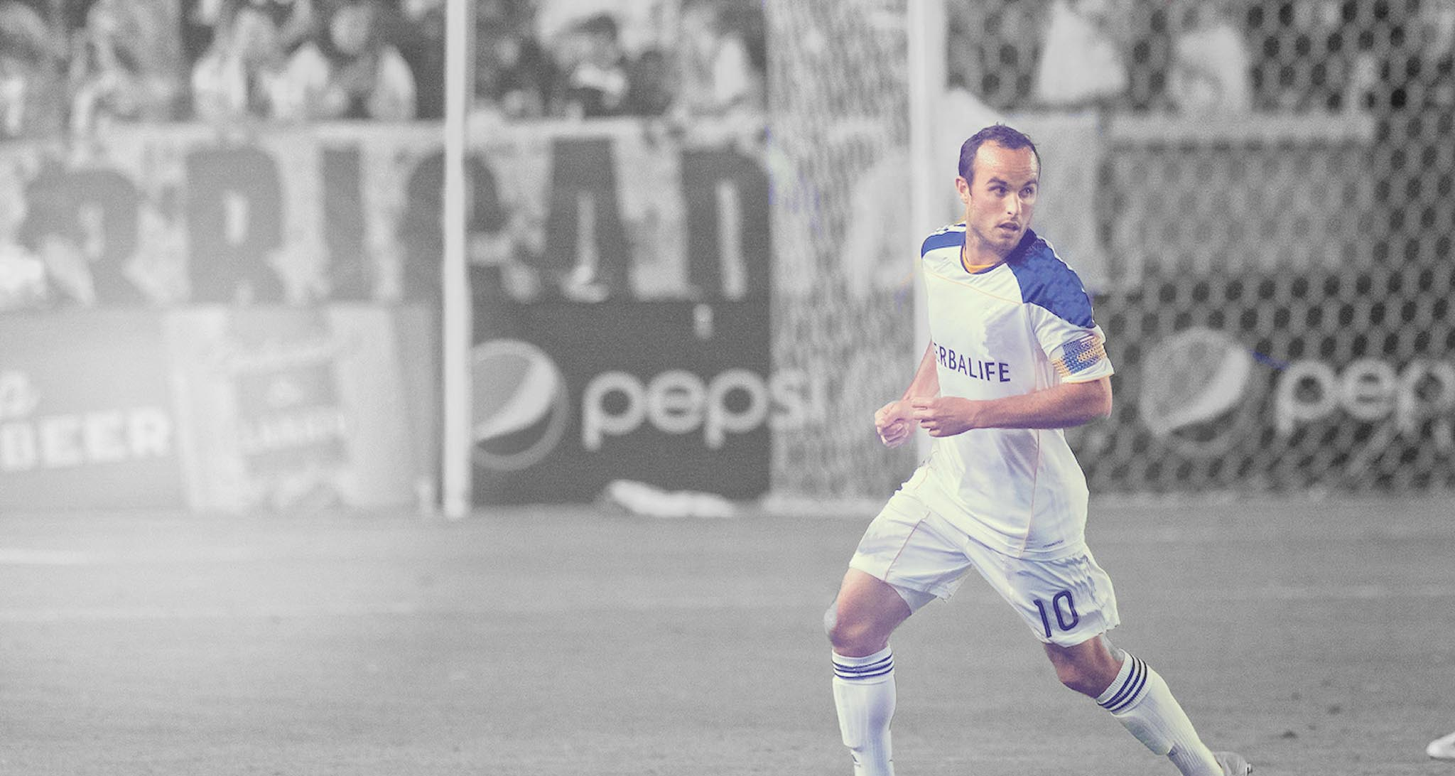Landon-Donovan-Training-Slider-BLANK-BW